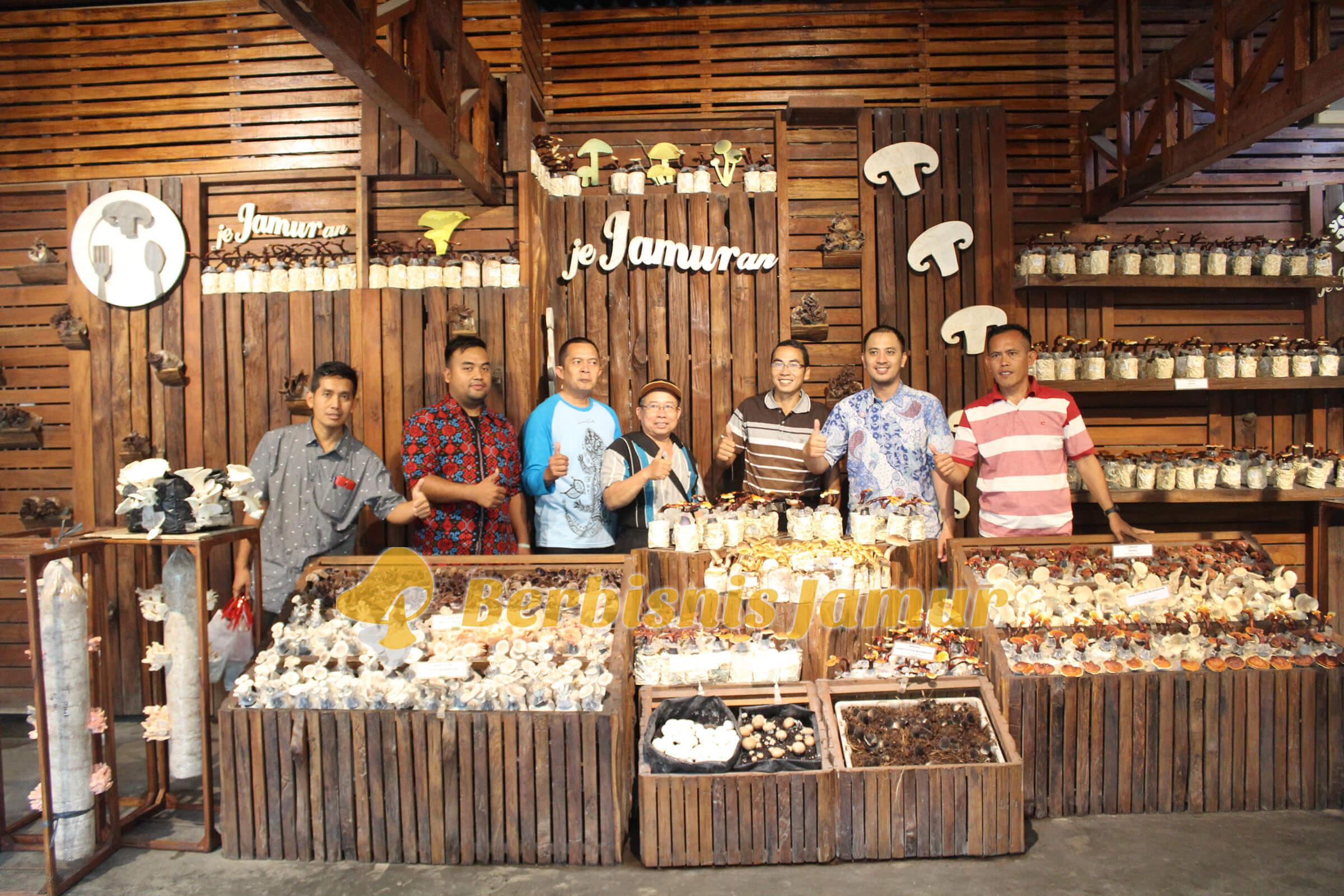 foto-bersama-peserta-training-jamur-tiram-angkatan-52