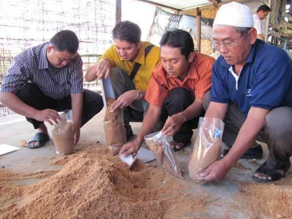 pemasukan bahan baku produksi baglog