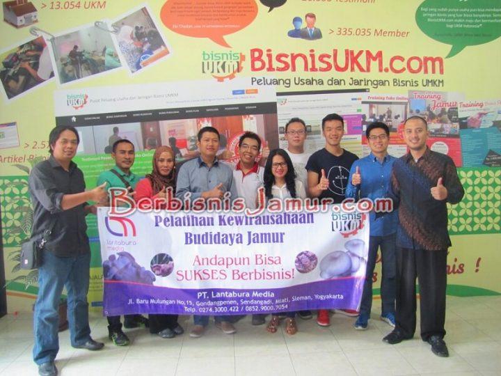 Foto Bersama Peserta Training Jamur 42