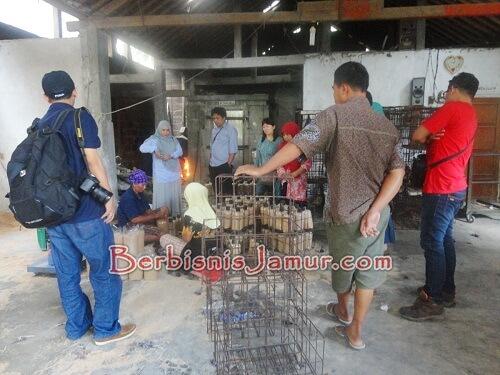 Proses Pembuatan Baglog